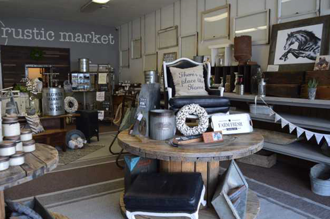 Shop brings farmhouse décor, gifts to Oakdale
