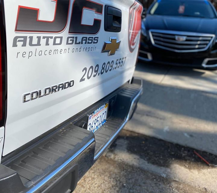 JC Auto Glass brings windshield repair to the home