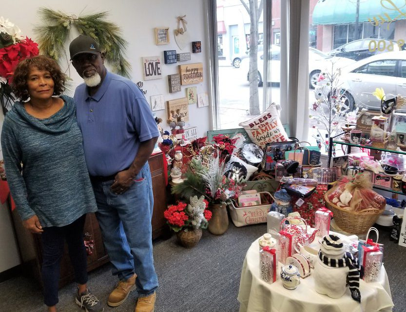 'Hello Luv' gift shop opens in downtown Manteca
